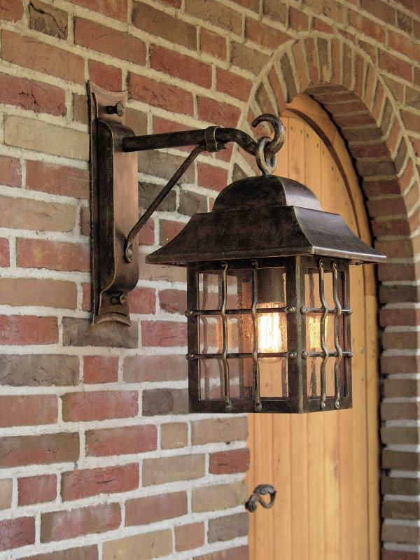 Applique lanterne suspendue en fer forg patin pour l for Luminaire lanterne exterieur