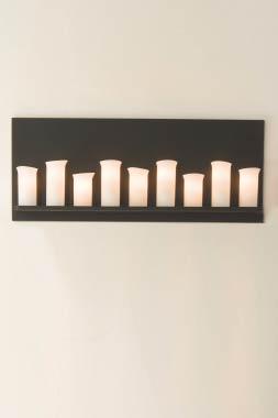 Applique neuf bougies en fer forgé patiné. Robers.