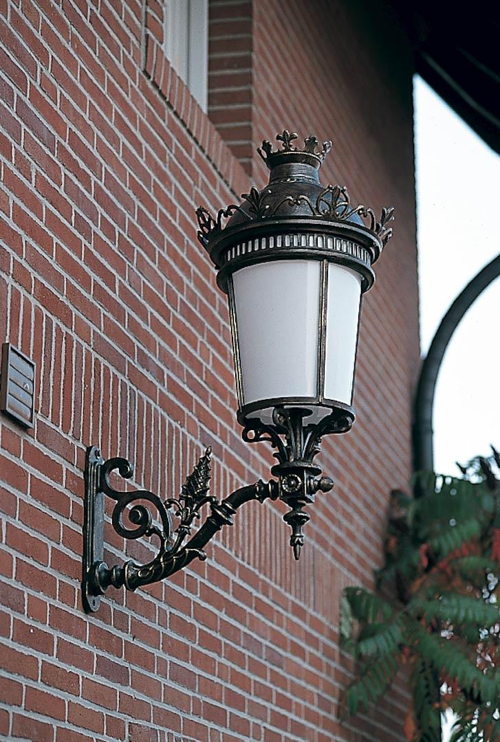 luminaire exterieur en fonte
