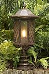 Lampe en fer forgé d'extérieur à fixer. Robers.