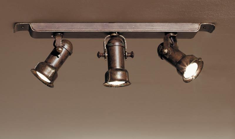 spot halog ne triple en fer forg fabriqu par les forges robers en allemagne r f 12090058. Black Bedroom Furniture Sets. Home Design Ideas