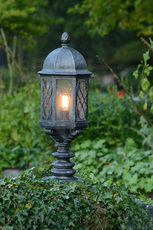 lampe pi destal en fer forg fabriqu par les forges robers en allemagne r f 15110412. Black Bedroom Furniture Sets. Home Design Ideas