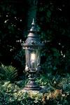 Lanterne courte art nouveau en fer forgé. Robers.