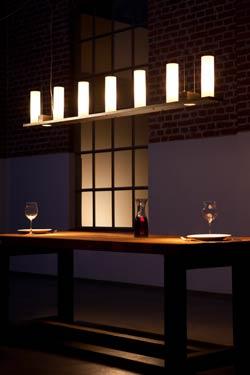 Suspension barre de fer forgé épais à sept bougies. Robers.