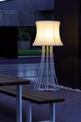 Outdoor 3D white epoxy aluminum floor lamp. Royal Botania.