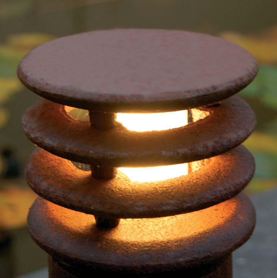 Rusty balise de jardin section ronde fonte d\'acier 40cm | Royal ...