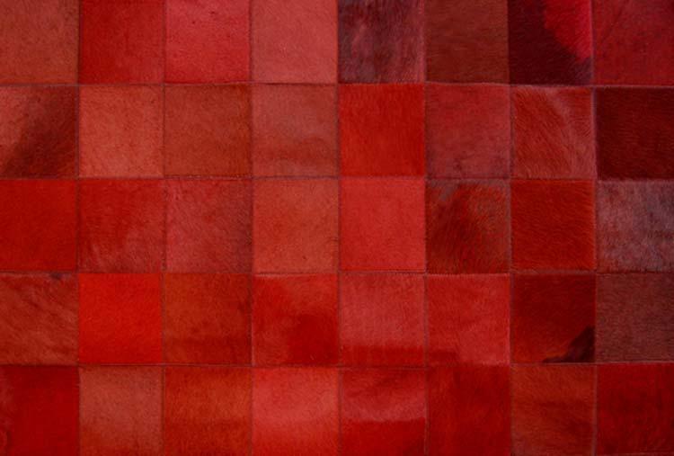 tapis en peau rouge prague 120x180 par santelmo le. Black Bedroom Furniture Sets. Home Design Ideas