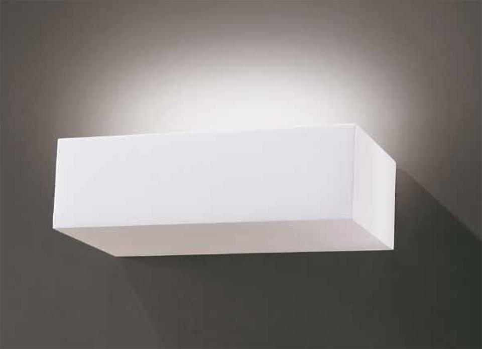 Applique Bric 1732 rectangulaire en plâtre naturel blanc. Sedap.