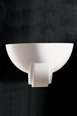 1340 cauldron wall lamp with natural white plaster molding. Sedap.