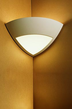 Wall lamp Angle 1817 in plaster and frosted glass. Sedap.