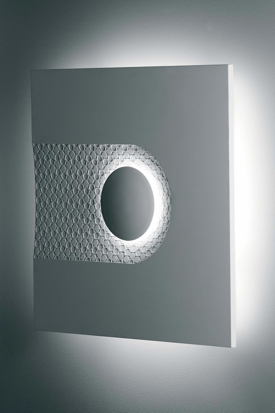 Wallpaper 3027 wall lamp in natural white plaster. Sedap.