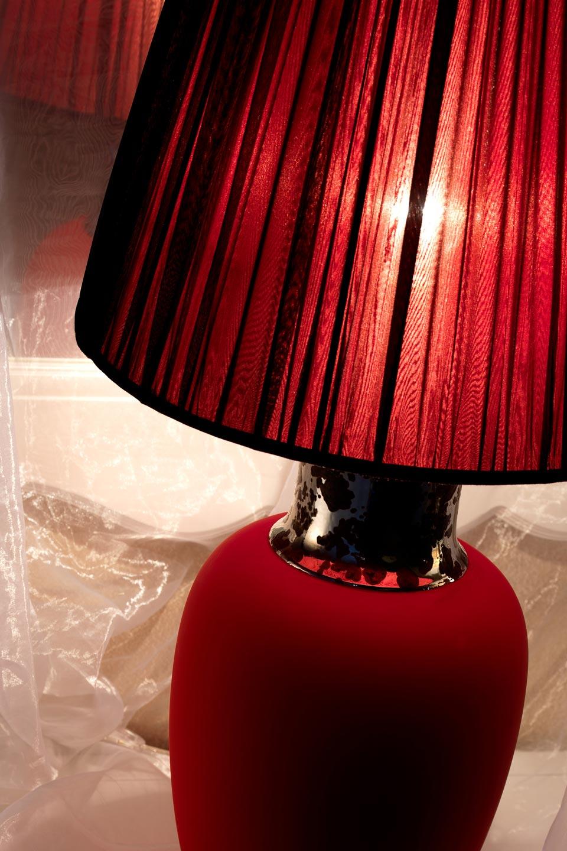 Calypso lampe potiche rouge mat en céramique . Munari par Stylnove Ceramiche.