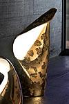 Holy lampe dorée en céramique intérieur banc petit modèle. Munari par Stylnove Ceramiche.
