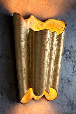 Lunar applique décorée à la feuille d'or. Munari par Stylnove Ceramiche.