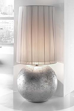 Moon grande lampe ronde céramique décorée à la feuille d'argent. Munari par Stylnove Ceramiche.