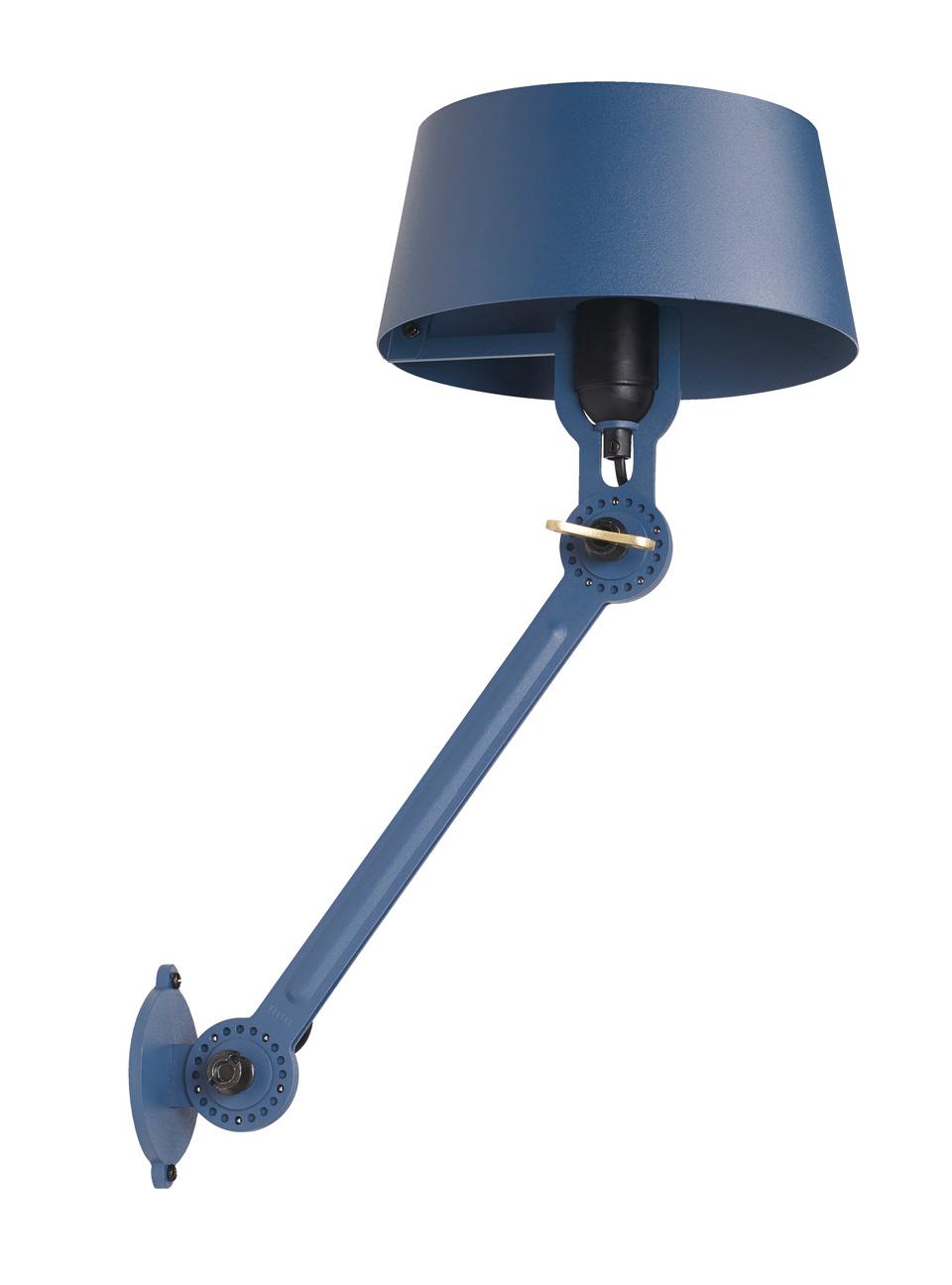 Applique bleue en métal grainé Bolt. Tonone.