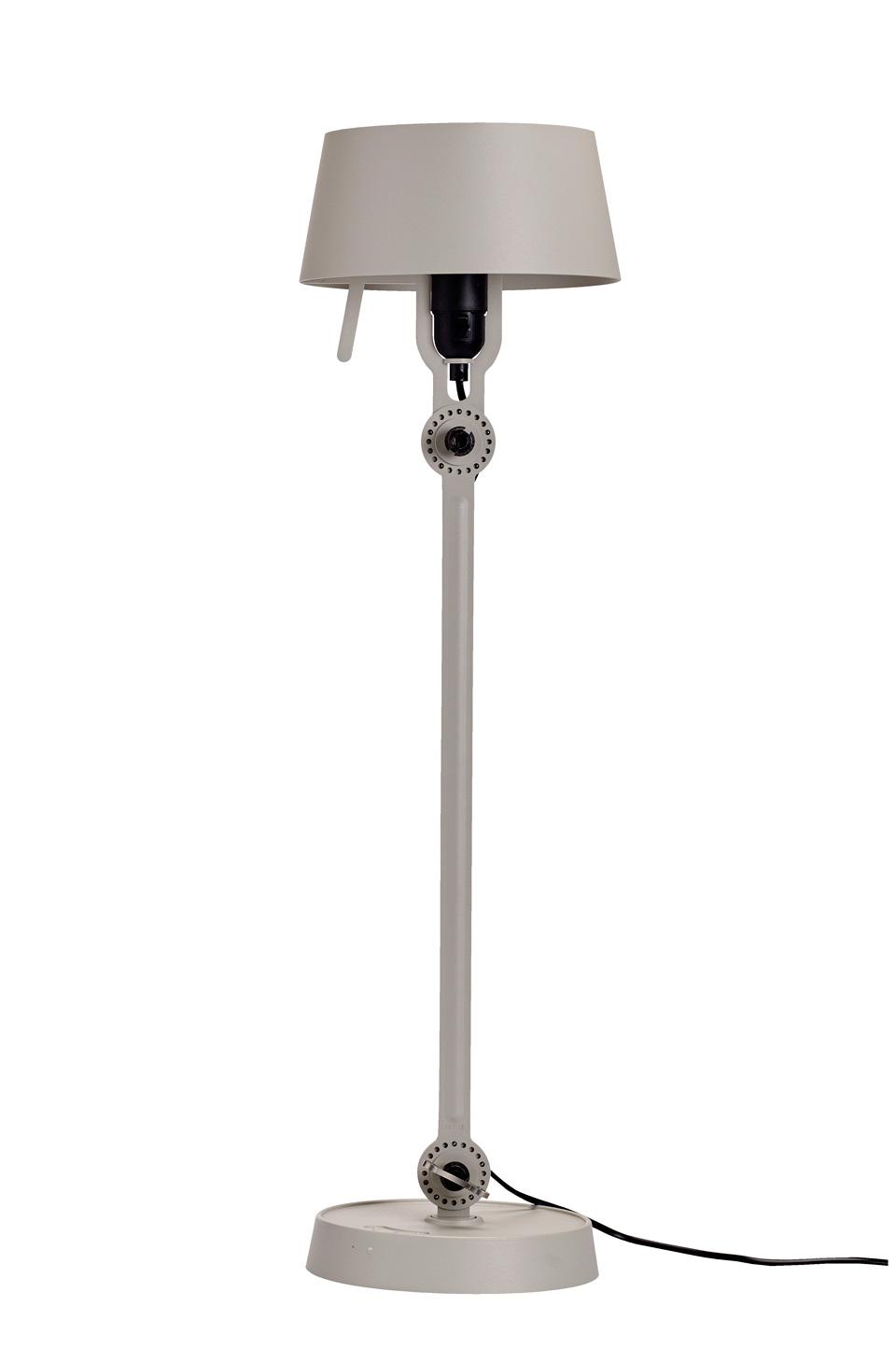 Grande lampe de table grise en acier style industriel Bolt. Tonone.