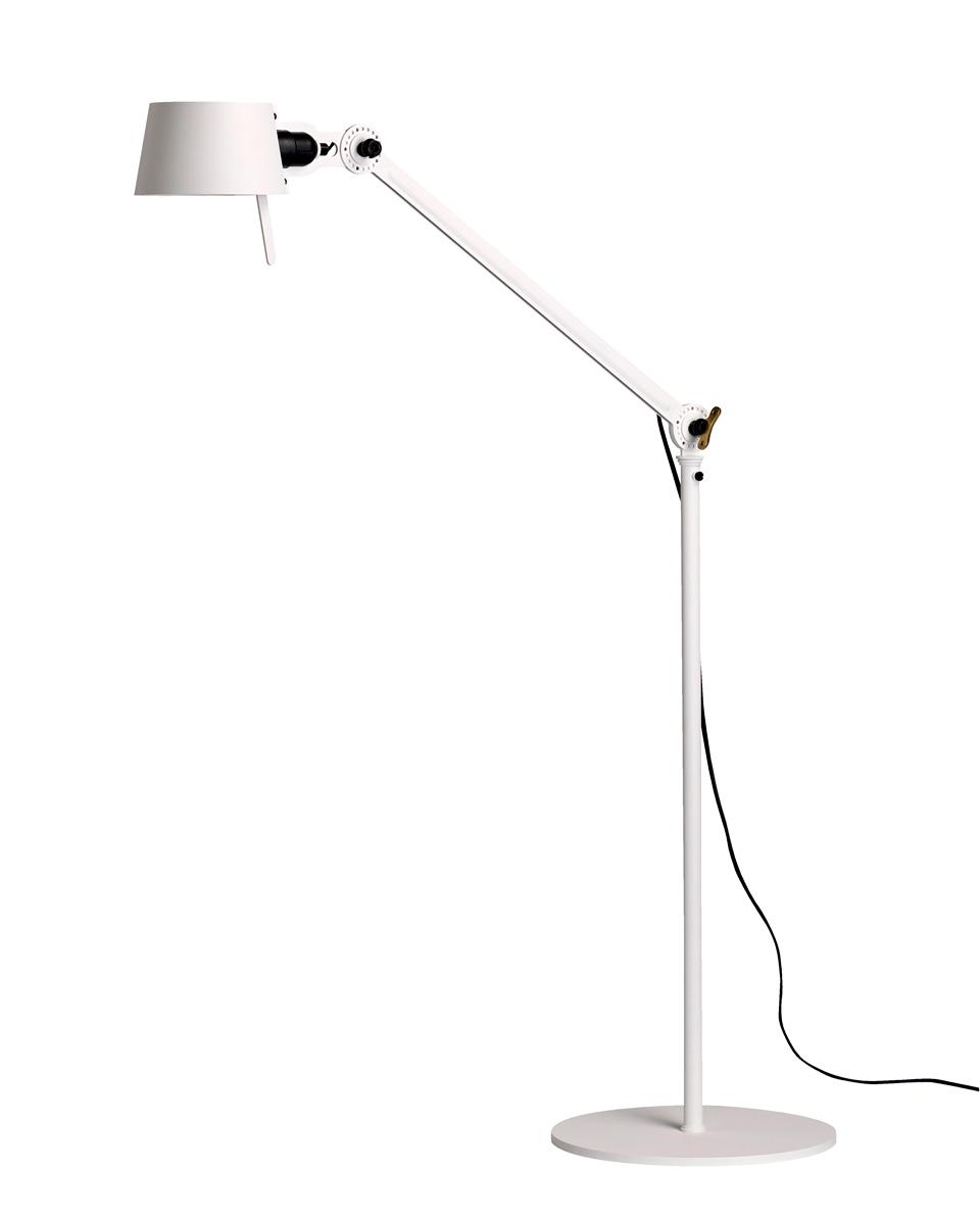 Lampadaire design blanc en acier grainé Bolt. Tonone.