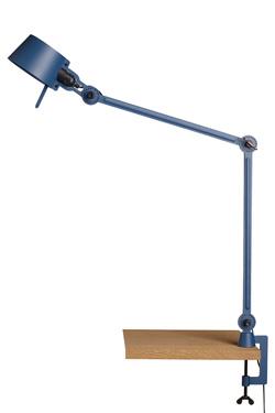 Lampe de bureau sur étau avec deux bras design industriel en métal bleu orage Bolt Desk . Tonone.