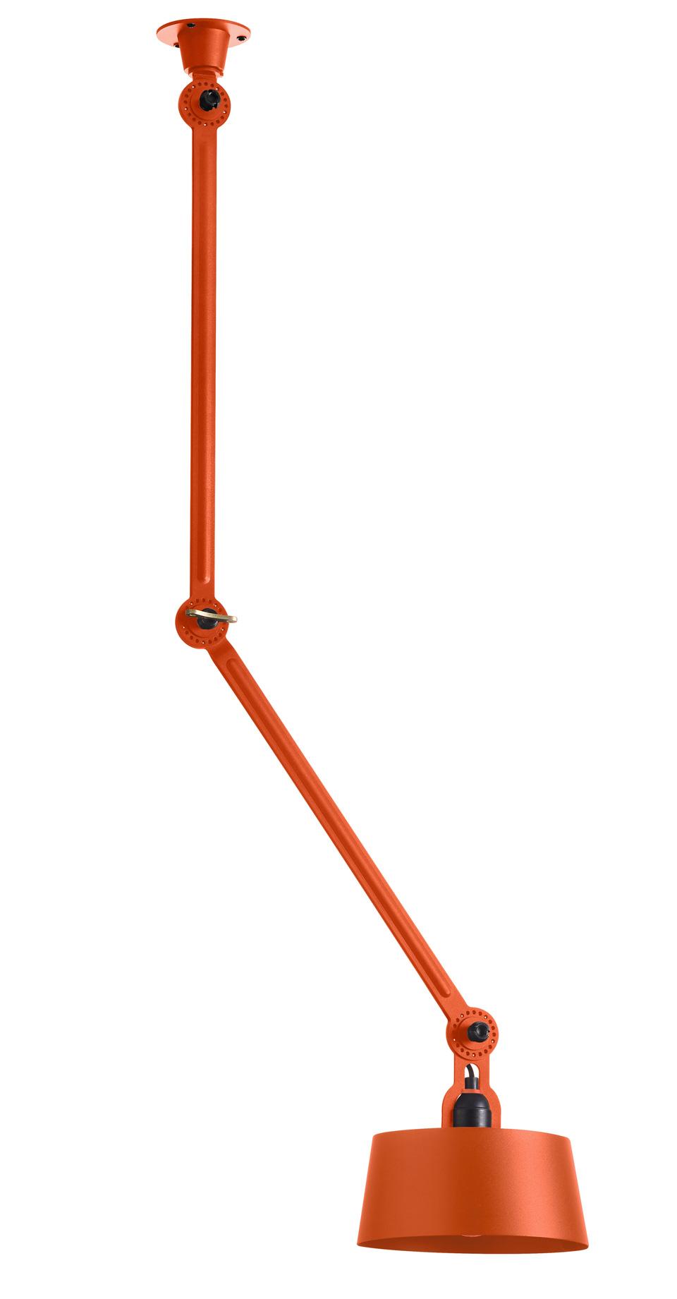 Plafonnier articulé orange, deux bras Bolt. Tonone.