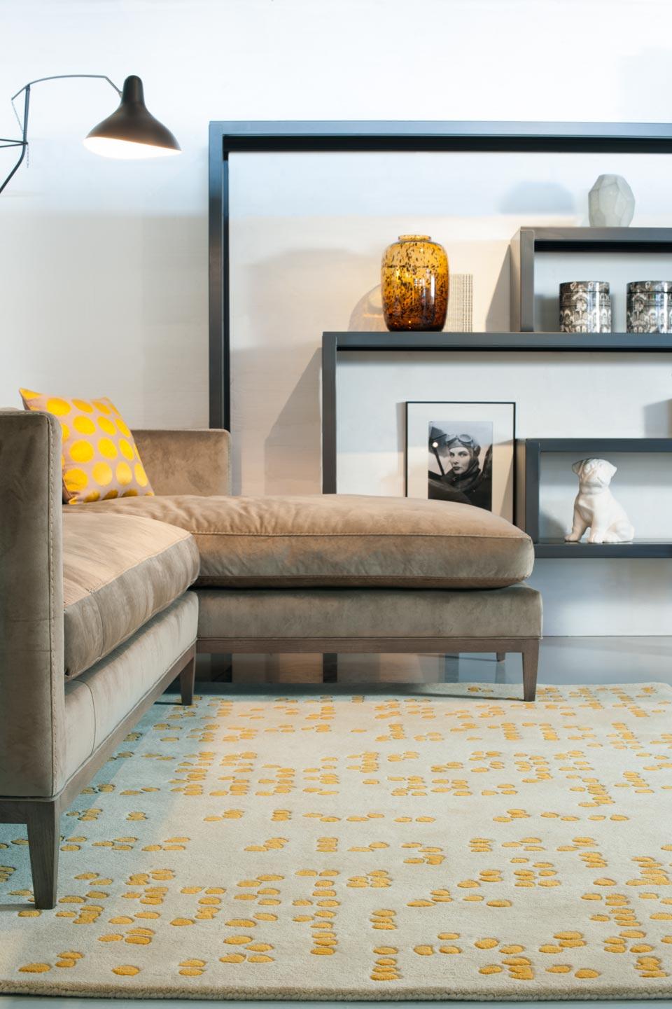 Jaune safran sur fond beige tuft main 100 laine nouvelle z lande toulemonde bochart tapis Beaux tapis contemporains
