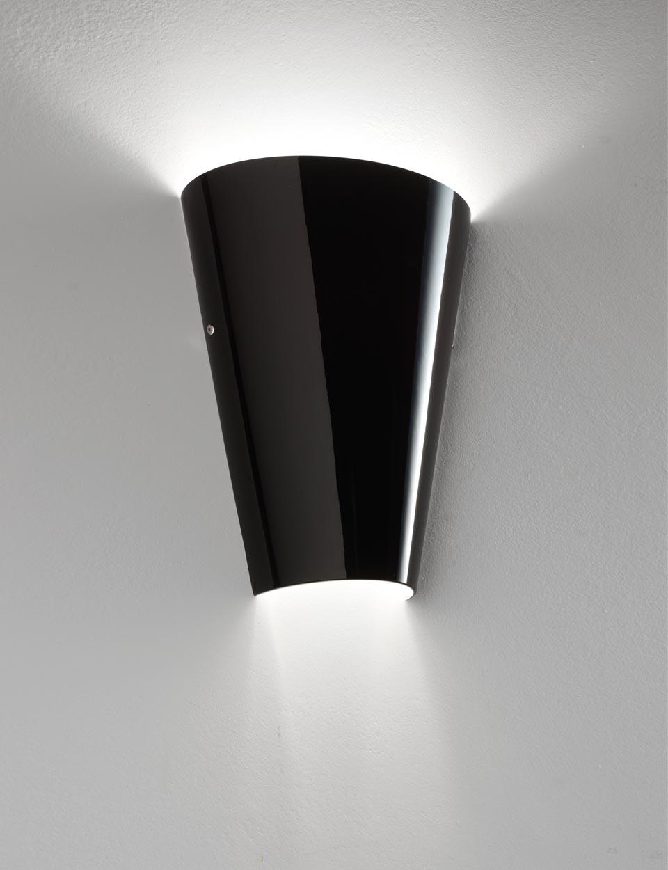 Applique Cleo en cristal de Murano soufflé bouche noire . Vistosi.