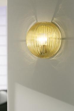 Applique Comari  en cristal de Murano ambre soufflé bouche . Vistosi.