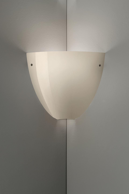 Applique Corner en cristal de Murano soufflé bouche gris brillant. Vistosi.