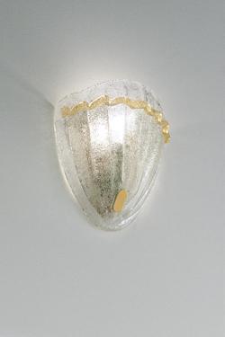 Applique  Morrise en verre de Murano moulé  et incrusté d'or 24 carats . Vistosi.
