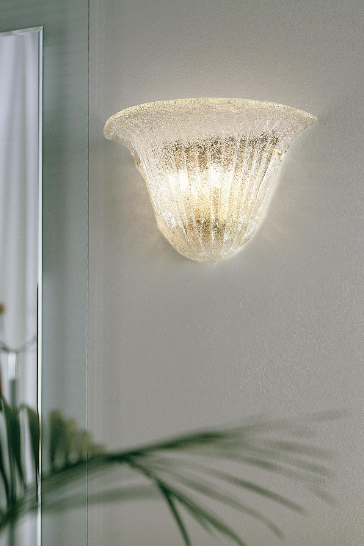 Applique Riga en cristal de Murano moulé et métal doré. Vistosi.