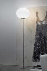 Lucciola floor lamp in white glass. Vistosi.