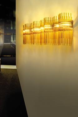 Large applique Diadema  en verre de Murano soufflé bouche ambre. Vistosi.