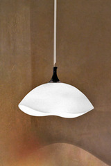 Small flattened globe pendant in white opaline glass Ninfea. Vistosi.