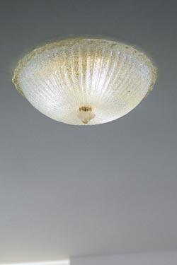 Plafonnier Morrise incrusté de paillettes d'or  diamètre 30cm. Vistosi.