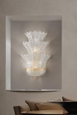 Très grande applique Redentore en cristal de Murano moulé et palllettes d'or 24 carats. Vistosi.