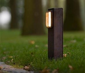 Luminaire d 39 ext rieur appliques design et classique en for Luminaire exterieur pour allee
